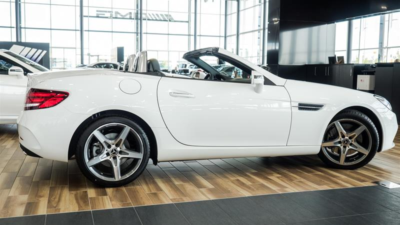 New 2018 mercedes benz slc slc300 roadster roadster in for Mercedes benz bloomfield hills service hours
